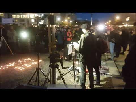 #Candles4Assange Mahnwache #FreeAssange #Berlin Impressionen 2.10.2019