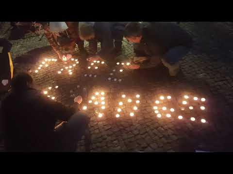 #Candles4Assange Message aus #Berlin 2.10.2019