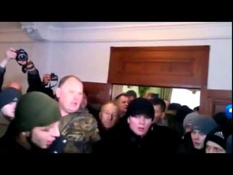"""Westukraine: Einberufungszentralen des Kiewer Regimes gestürmt. """"Poroschenko ist eine Arschloch"""""""