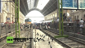LIVE: Stranded refugees continue to gather outside Keleti train station in Budapest