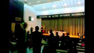 Mörder! Demonstrantinnen unterbrechen Erdogan in Ecuador – Seine Leibwächter reagieren brutal