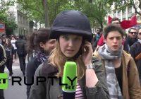 """Du Schlampe!"" Ukrainische Nationalisten greifen RT-Reporterin in Paris an"