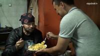 Friedensfahrt Berlin – Moskau – Spontane Begegnung mit Gastarbeitern aus Usbekistan und Kirgisistan