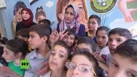 Aleppo: Syrische Soldaten entfernen Mörsergeschoss vom Dach einer Grundschule mit Hunderten Kindern