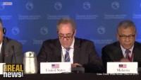 """UN Menschenrechtsexperten über die """"Freihandelsabkommen"""" (The Real News))"""