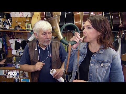 PussyTerror TV - Poledance-Kurs mit Caro und Pierre