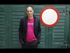Yanis Varoufakis – Perspectives of Democracy & the German Election (Deutsch & English)