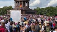 Demo 29.8.2020 Berlin: Stimmungsbilder Siegessäule mittags 12:30h